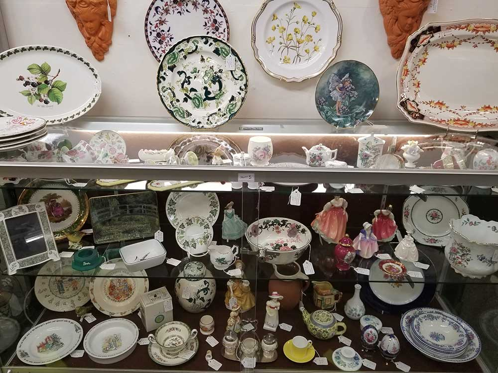 Antiques Dealers in Gloucestershire - Our Cabinets
